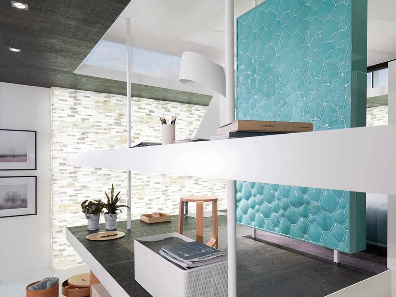 Comedor sala de la tv salon style contemporaneo color for Sala gris con turquesa